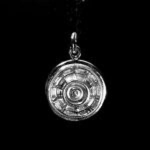 STERLING SILVER (92.5) 1962 CORVETTE HUB CAP CHARM (92.5)
